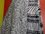 Jupe Réversible coton, longue, motifs noirs.